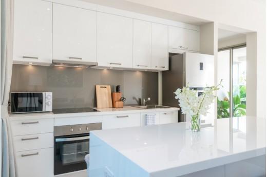 Szafki wiszące do kuchni, czyli jak urządzić funkcjonalną kuchnię?
